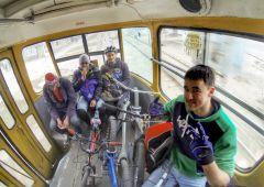 Едем на траме в центр катать