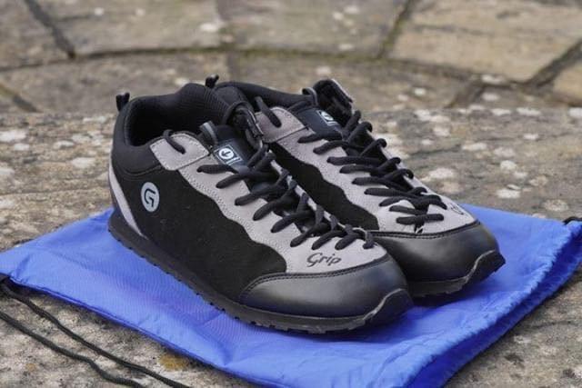 grip_shoes_01.jpg