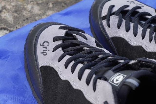 grip_shoes_04.jpg